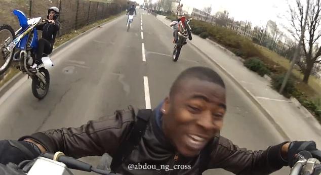 Un Harlem Shake moto cross 93