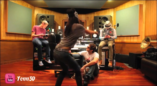 The Harlem Shake en studio