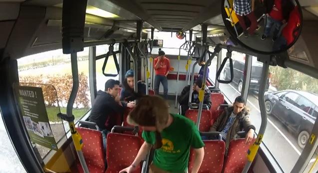 Harlem Shake dans un bus Belge